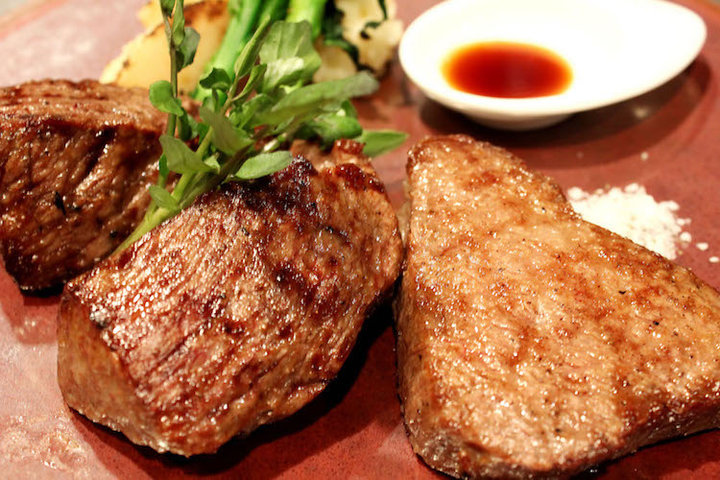 RRR Kobe Beef Steak(トリプルアール 神戸牛ステーキ)の写真