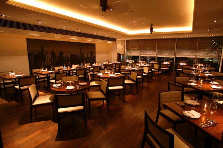 オイスターバー&レストラン オストレア銀座8丁目店の写真
