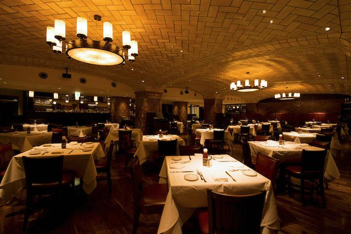 Wolfgang's Steakhouse Marunouchi (ウルフギャング・ステーキハウス 丸の内店)の写真