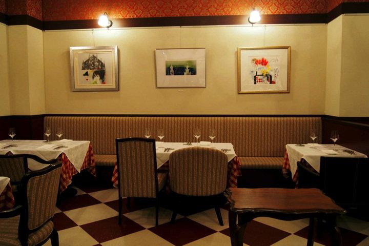 サラマンジェ (Salle à manger) の写真